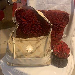 Coach cream handbag with front circle logo 😍😍